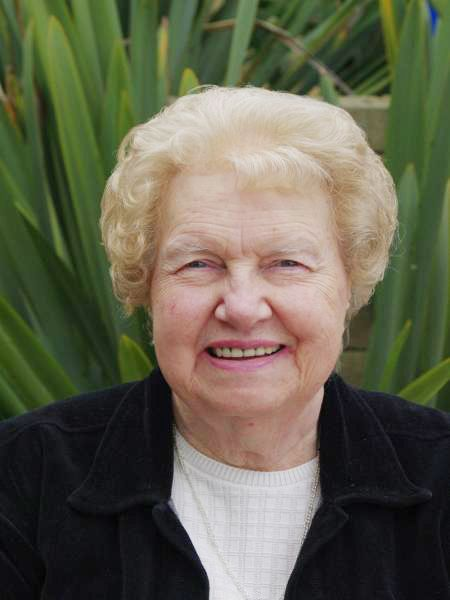 Dolores Cannon is responsible for bringing to light into life after death. She started out as a hypnotherapist to help people lose weight, stop smoking, relaxation etc. But on one session she found herself in the past life of one of her patients in 1968. A time when metaphysics  should have scared Dolores it made her curious. And thanks to that curiosity we now have insights into varies metaphysical and spiritual mysteries ranging from past lives to abductions to Jesus Christ.