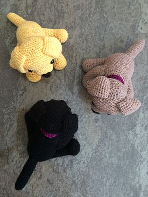 Would you like your very own handmade replica of your Labrador? A cute copy of your adorable pup, to proudly display in your home? In this article I am going to share with you some simple instructions for how to make or order your very own crochet Labrador. The pattern below is for the yellow Lab