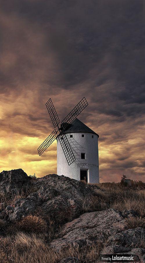 Windmill, Herencia , Ciudad Real, Spain  Los famosos Molinos de viento que hace referencia el famoso libro, Don Quijote de la Mancha. De Miguel de Cervantes.