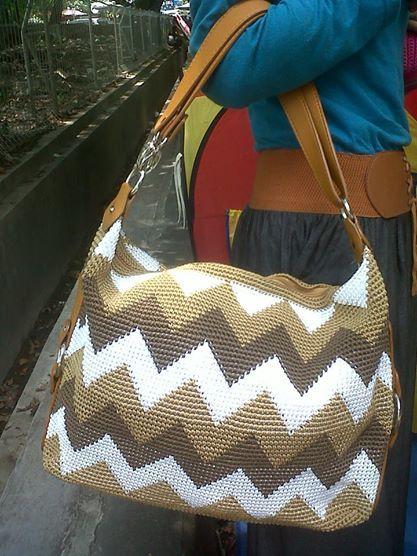 Kami menyediakan tasrajut, dompet rajut, ransel rajut, tasrajutan, dan tas wanita dengan motif yang terbaru.  Desain sangat elegan, cantik dan fungsional. Produk kami terbuat dari benang nylon