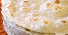 Fabulosa receta para Tortillas de harina caseras al estilo Sonora. Las tortillas de harina se consumen en el estado de sonora desde el año 1542 aproximadamente, y son tan tradicionales como los nopales del desierto. Aqui en cada cuadra hay señoras que venden tortillas de harina, gorditas de manteca como de 10 centimetros de diametro, normales como de 30 centimetros de diametro y las de agua o vulgarmente llamadas sobaqueras que llegan hasta un metro de diametro. Esta es la receta *origi...