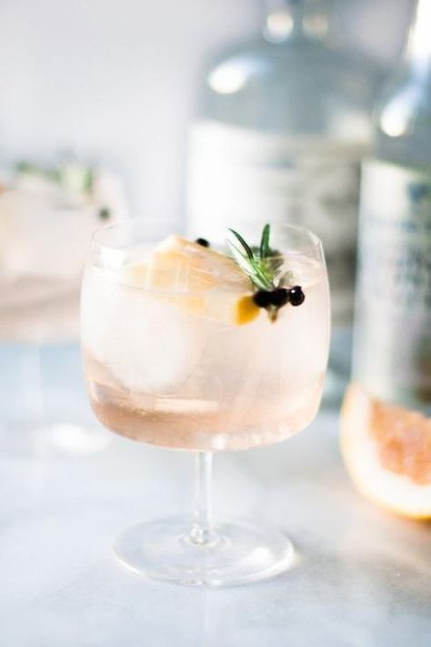 cocktail pamplemousse romarin baie genévrier gin