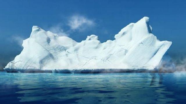 Antarktika ve Atlas Okyanusu arasında buzul parçası tamamen kırıldı. Buzdağının yüzölçümü İstanbul'dan büyük.