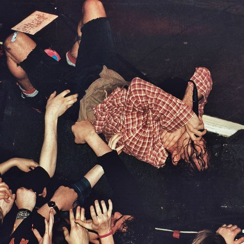 Pearl Jam @ Limelight, NYC 4/12/92...loving those calf muscles!