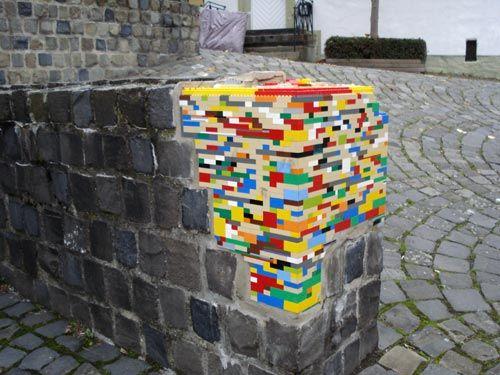 Jan Vormann repairs damaged walls with legos