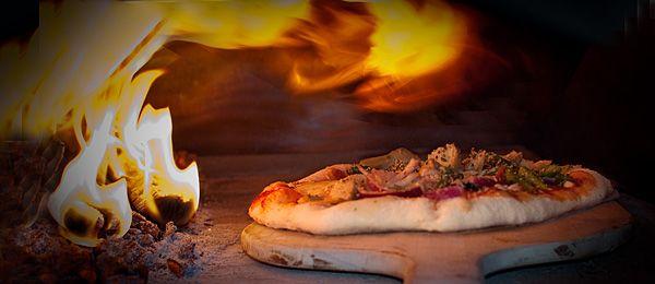 Editions Debeur - Pizzafourno, four à bois pour pizza maison et autres mets mijotés