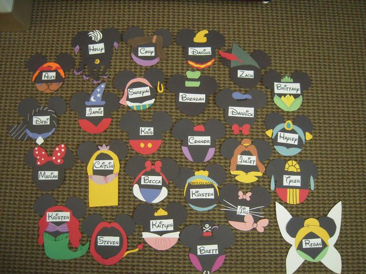 disney door decs...http://raforlife.tumblr.com/post/63428142845/my-disney-themed-door-decs-i-still-have-about-14