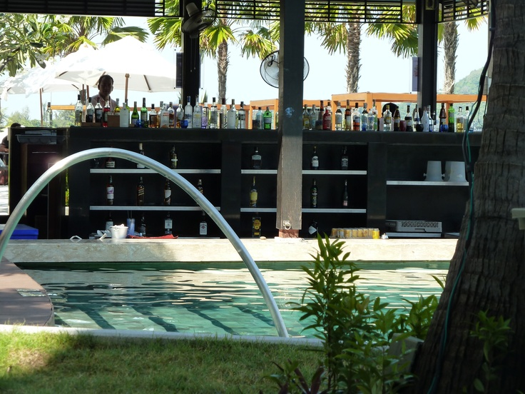 phuket pool bar