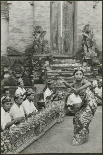 Indonesia, Bali ~ Gamelan and dancer