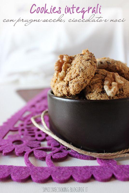 Cookies integrali con prugne secche, cioccolato e noci (senza burro)