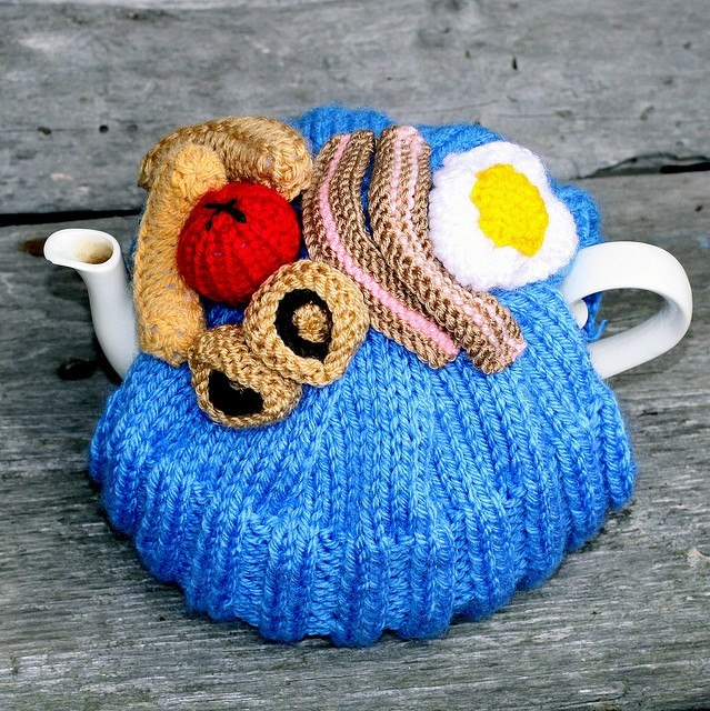 Knitting Pattern For Yoda Tea Cosy : 1000+ images about Tea Cosys Madame Flavour on Pinterest
