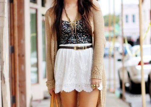 Late in the Day. #trend #floral #lace