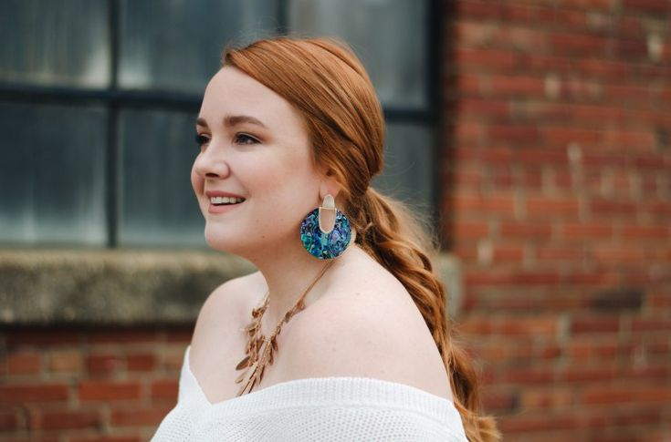 kendra scott spring 2018 collection - thestylelodown.com | red hair | abalone shell | turquoise | statement jewelry | lace up sweater | outfit | curvy style | blog | blogger | fashion | spring | summer | earrings | bib necklace | rose gold | shop the look | what to wear | designer | blue | bright and bold | bite beauty | lip pencil | cream | matte | cosmetics | @lolo_russell