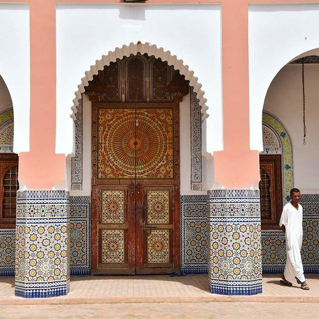 Si Sois De Los Que Ihavethisthingwithdoors En Marruecos Vais A Flipar Yo Porque No Puedo Cargar Una Puerta De Esas En La Mochila Que Sino M Travel Asia