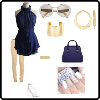 Clara 04: Blusa in georgette di poliestere blu senza maniche, con fondo rotondo; allacciatura al collo tramite automatici e cinta in vita.