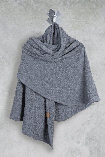 Coisa Original Stone, een cape, sjaal en omslagdoek in 1.