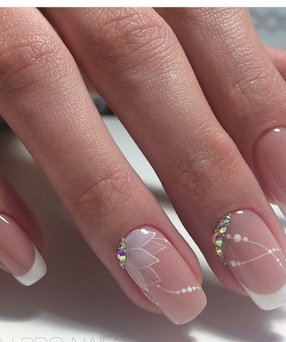 28 Perfect and Outstanding Nail Designs for Winter 2020 : Page 16 of 27 : Creative Vision Design