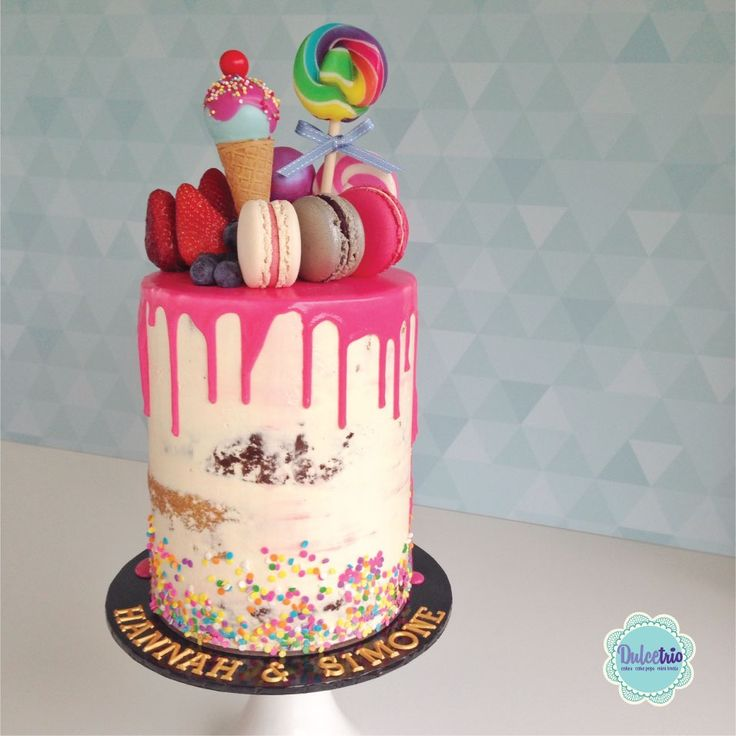 #hotpink #nakedcake to celebrate a double #birthday party #deliciouscake #girlscake #chocolatedrip #lollies #macaroons #sydneycake