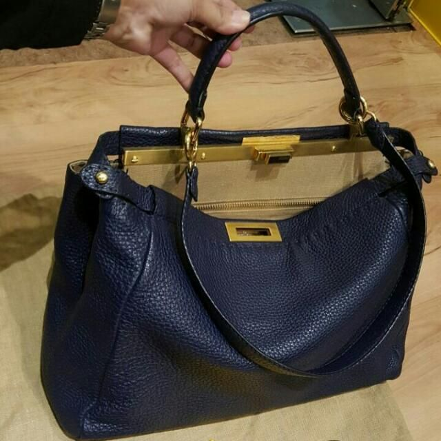 Rp17,250,000 - Preloved Fendi Peekaboo Large #prelovedfendi #fendipeekaboo #prelovedfendipeekaboo Whatsapp, +6281330772818 Line. day_yana