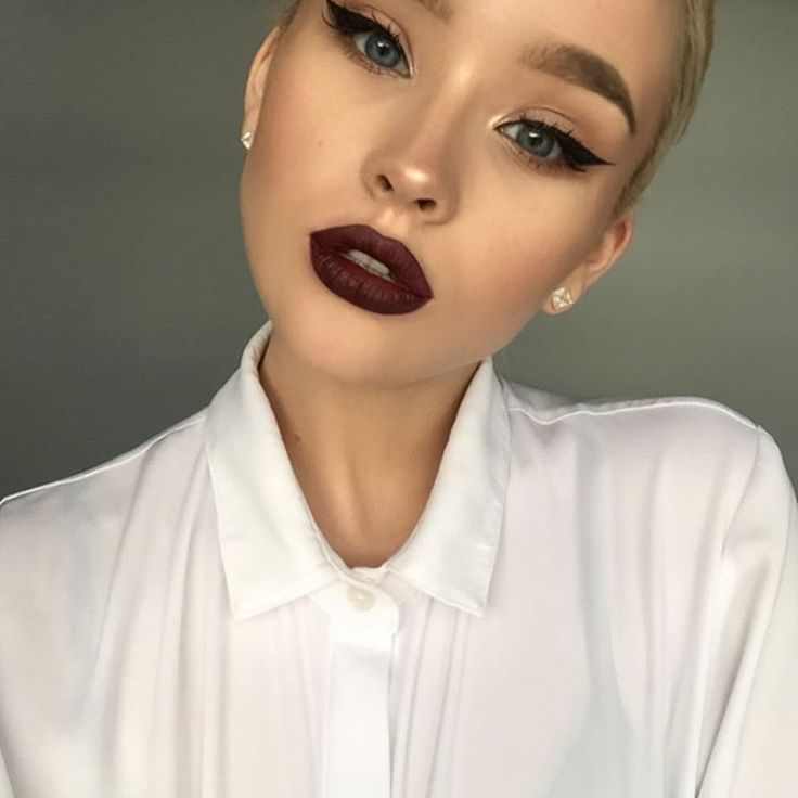 Red lipstick on my dick 9
