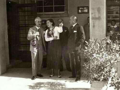 Atatürk , Ankara Kız Lisesi'nde 12 Mayıs 1934