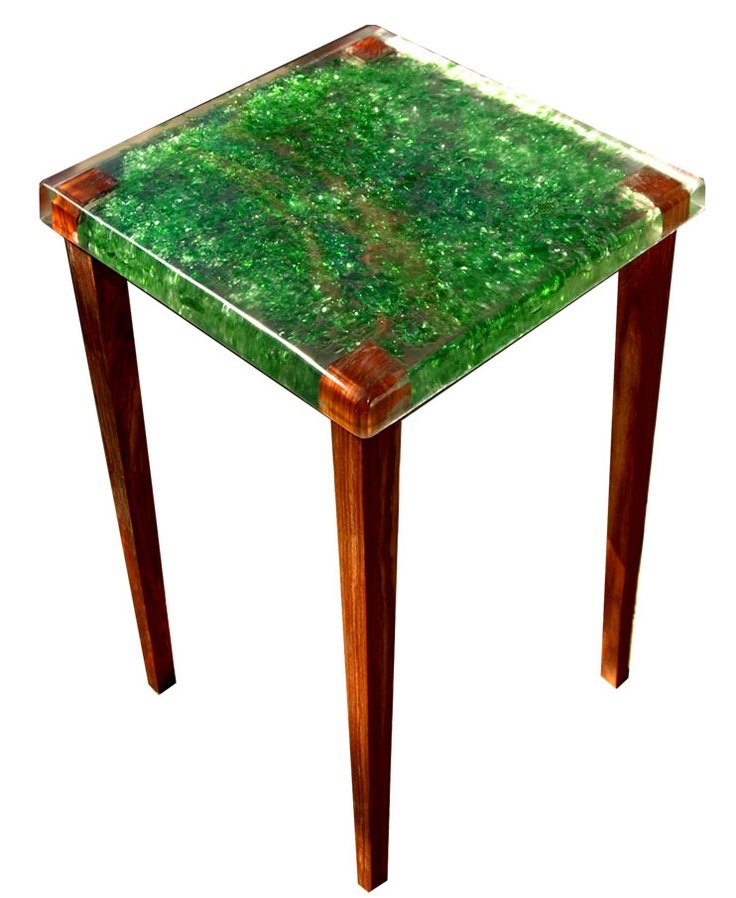 This table was handcast upside down gorgeous clear resin enfolds shimmering green crushed beer - Table resine epoxy ...