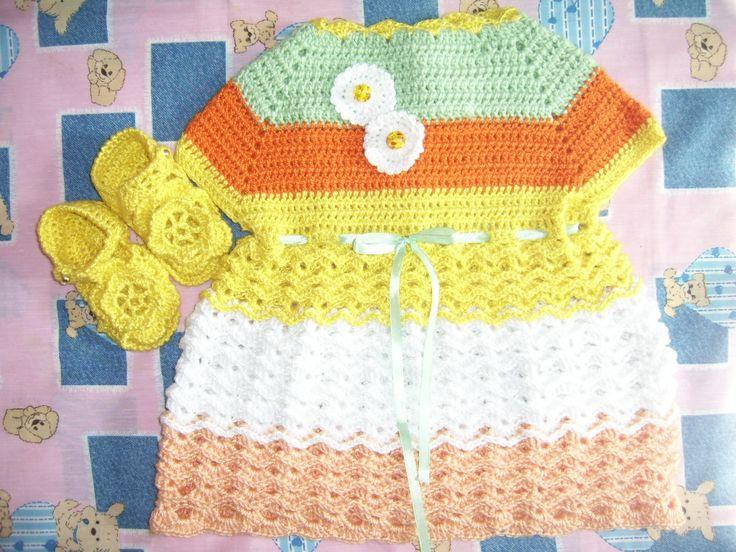 Vestido niñita en hilo a crochet.