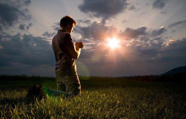 O que quer dizer não orar usando vãs repetições?