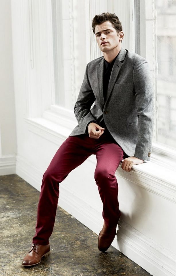 Men's fashion. Burgundy pants. Grey blazer. Brown shoes.