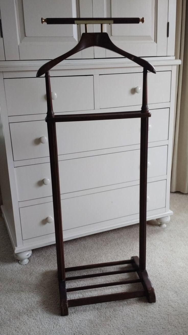 best 25 wooden clothes rack ideas on pinterest diy clothes rack hanging clothes racks and. Black Bedroom Furniture Sets. Home Design Ideas
