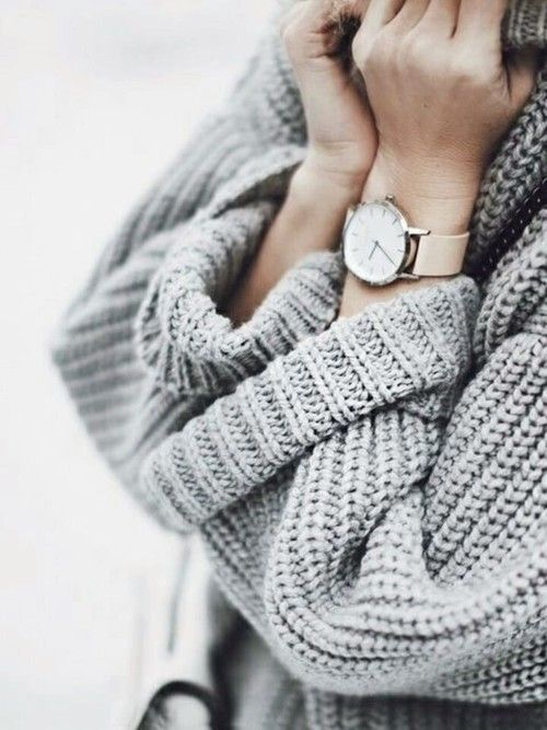 Otul się ciepłym swetrem!  #watch #winter #fashion #forher #lovewatch #watches #butikiswiss
