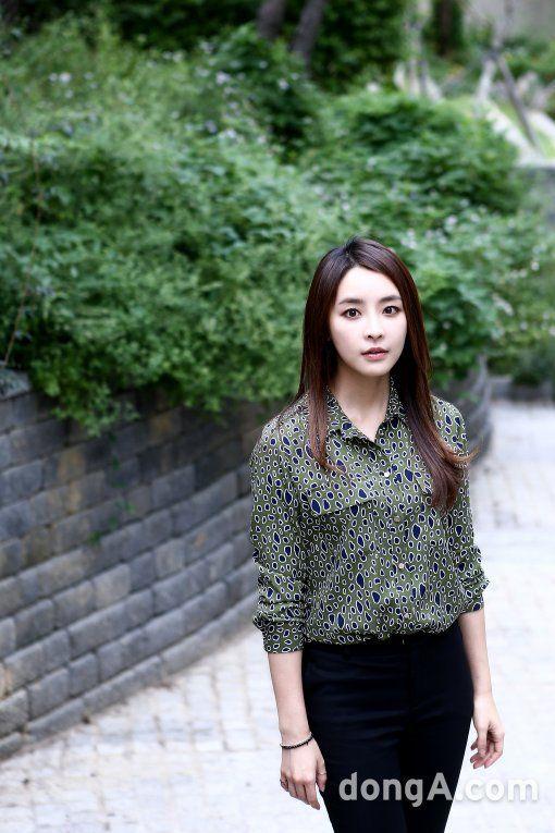 "Jeong Yoo-mi, ""I want to be a friendly actress"" @ HanCinema :: The Korean Movie and Drama Database"