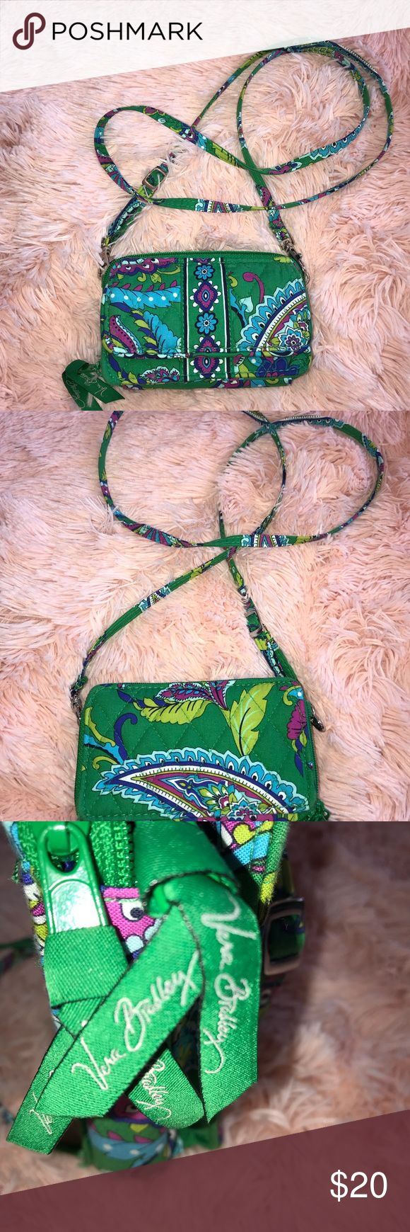 ❌CHECK OUT MY PAGE ON SALE❌cross body purse/wallet This is a small Crossbody vera Bradley purse/wallet. Has tons of storage for cash and etc. Vera Bradley Accessories Bags