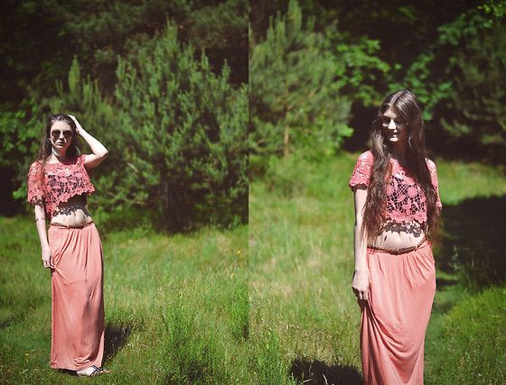 Get this look: http://lb.nu/look/8269507  More looks by Jenny: http://lb.nu/jela  Items in this look:  Primark Top, Primark Skirt, H&M Belt, Fielmann Sunglass   #bohemian #street #vintage #summer #girl #orange #spring