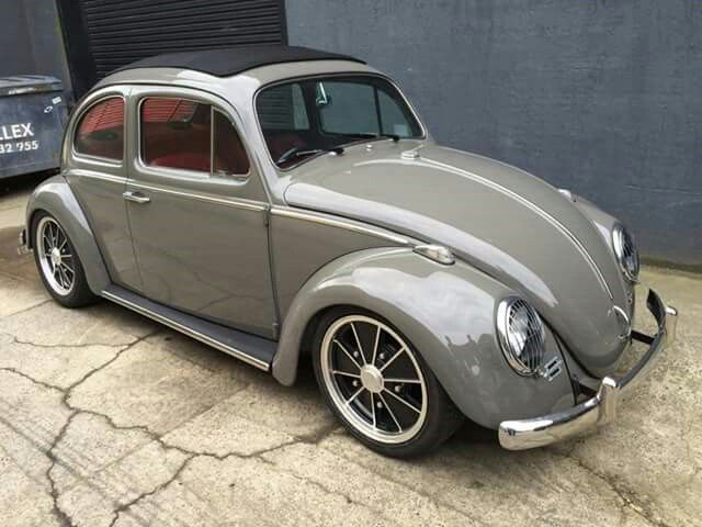 Gray Volkswagen slug bug with red guts ¥   VW bugs   Vw ...