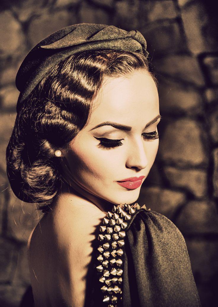 Les 25 meilleures id es concernant coiffures des ann es 1940 sur pinterest coiffures vintage - Coiffure annee folle ...
