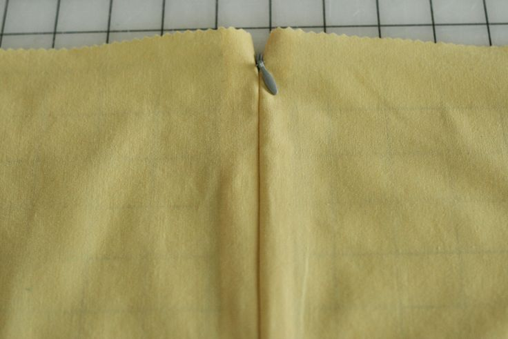 Tutorial: Installing an Invisible Zipper (with video)  |  Colette Blog