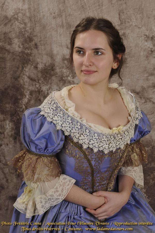 reproduction d'un costume du XVIIe