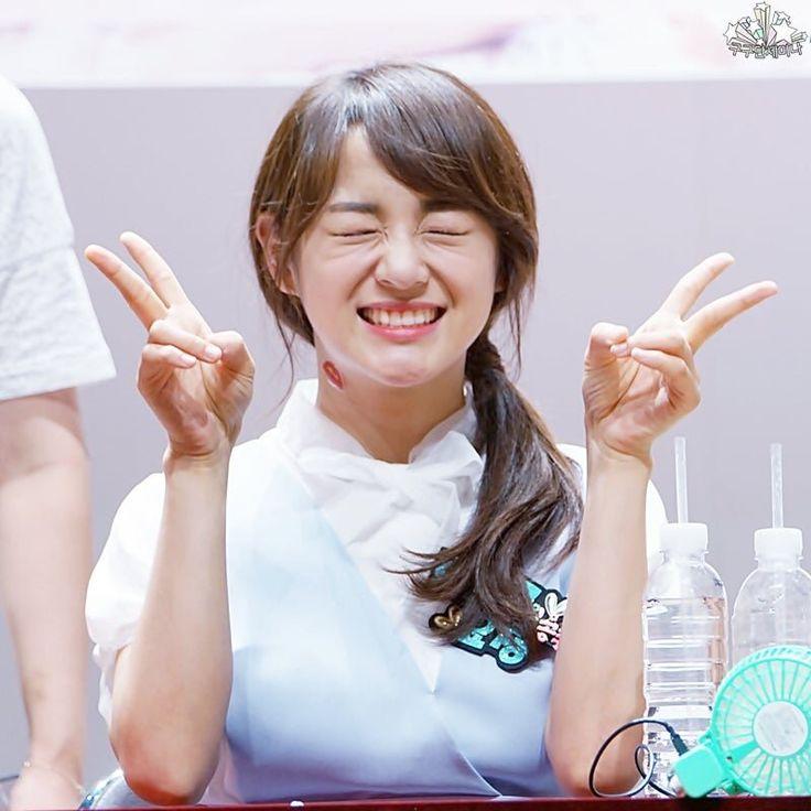 Kim Sejeong at fansign❤️