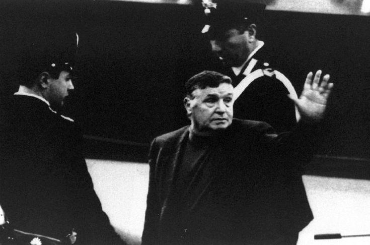 """Salvatore Riina 1993 vor Gericht: Der """"Boss der Bosse"""" wurde über die Grenzen..."""