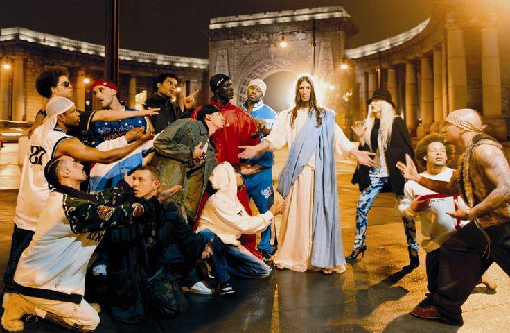 Как подружиться с Иисусом — Александр Ляпин рассказывает о том, как один из самых богатых фотографов в мире, Дэвид Лашапель, обрел Иисуса и снял с его помощью одну из своих главных серий.