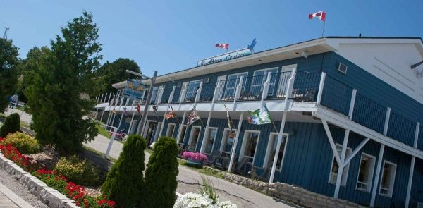 We are conveniently locatedon picturesque Little Tub Harbour. We are theclosest motel to the Chi-Cheemaun ferry dock and just steps away from the downtown section of Tobermory. We have thirty-six units with a variety of water views and facilities, including some with updated kitchens. All units have cable TV, electric heat, fridges and several have air conditioning. (Please note that only the rooms specified have Air Conditioning.)