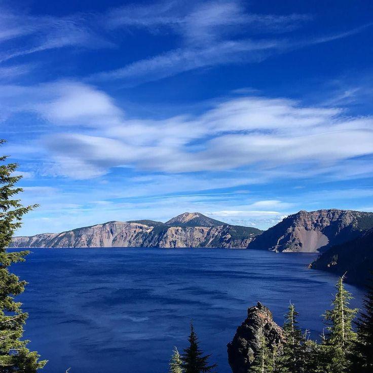 Crater Lake take 2 #craterlake #craterlakenationalpark #oregon #sevenwondersoforegon #volcano #upperleftusa #pnwonderland #pnwisbeautiful #pnw #pnwexplorations #iphoneonly #nofilter