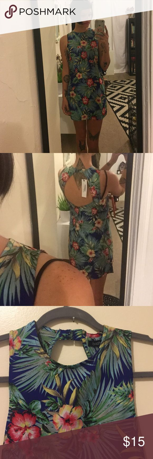 Hawaiian print dress NWT Hawaiian style dress. Cut out in the back. Two clasps at back if neck. Any questions please ask! US size 4. Boohoo Dresses
