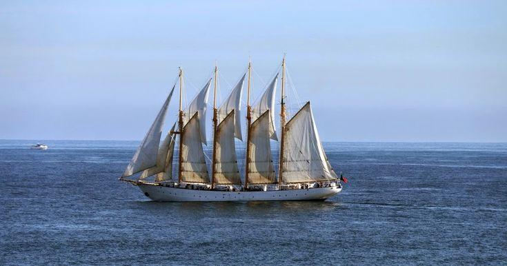 O lugre Creoula em Peniche. Barco q era usado na pesca portuguesa do bacalhau / The lugger Creoula in Peniche. This boat was used in portuguese codfish fishing.