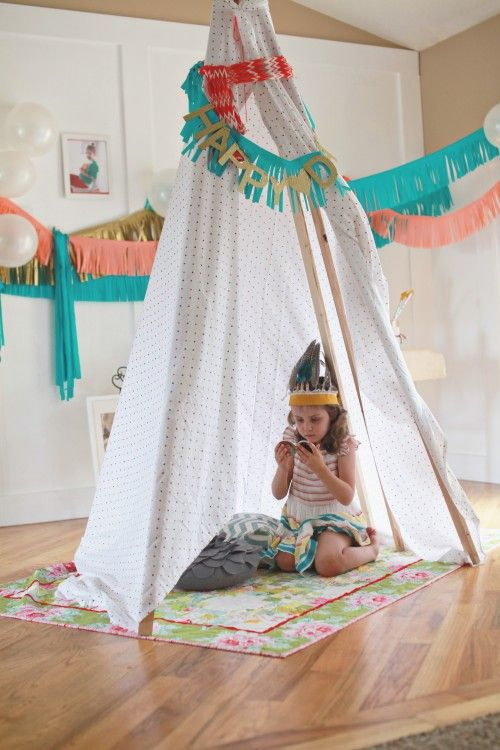 indian party, love it!: Paper Garlands, Birthday Theme, Pocahontas Parties, Pow Wow, Plays Tent, Parties Ideas, 3Rd Birthday, Indian Parties, Pocahontas Birthday Parties
