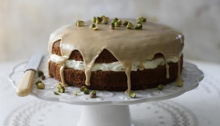 Coffee and cardamom cake with pistachio cream