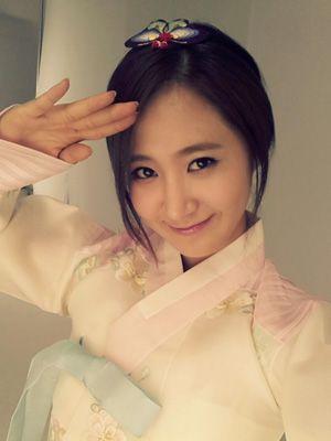 Girls' Generation's Yuri look beautiful.