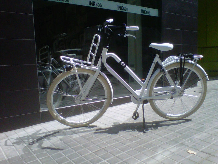 Alquiler de #bicicletas en los Hoteles Acta. En algunos de los hoteles de Acta ofrecemos alquiler de bicicletas tradicionales y también electricas.