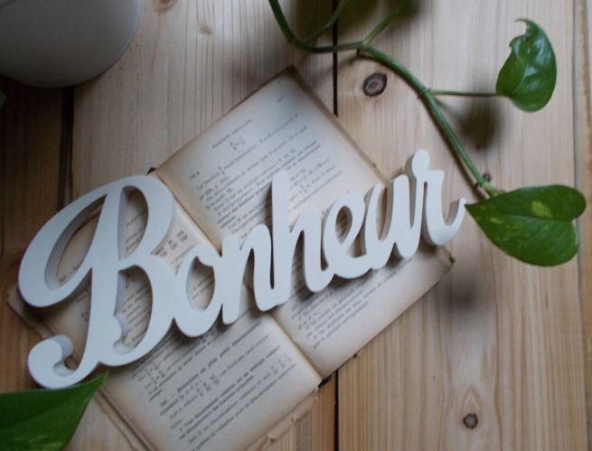 17 meilleures id es propos de lettres d coratives en bois sur pinterest lettres en bois. Black Bedroom Furniture Sets. Home Design Ideas